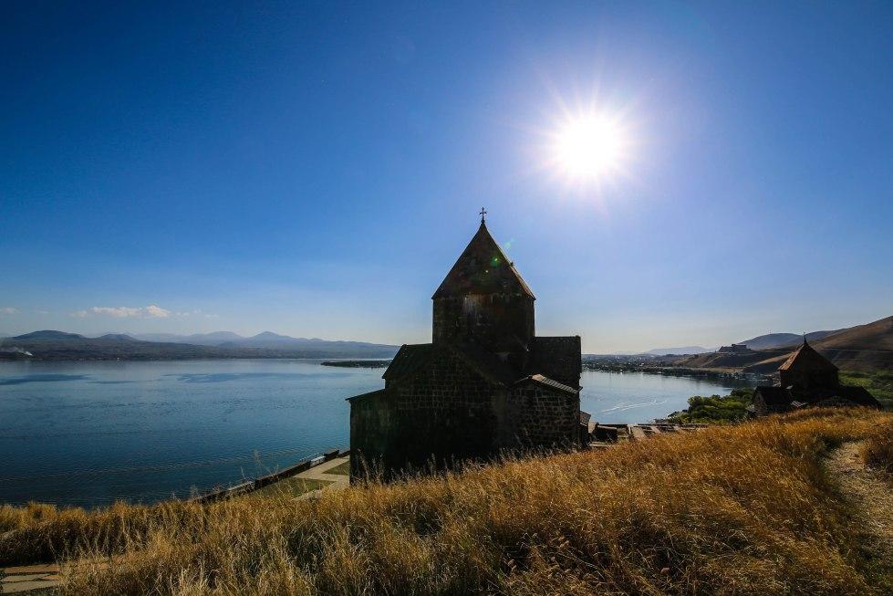 Sevansjön, Sevanavank och författarhuset. Foto: Johnny Friskilä