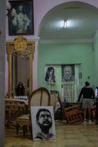 Cuba_hallway_livingroom_13