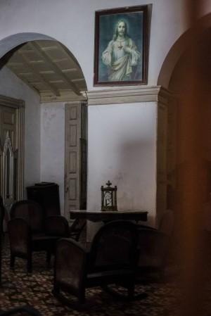 Cuba_hallway_livingroom_2