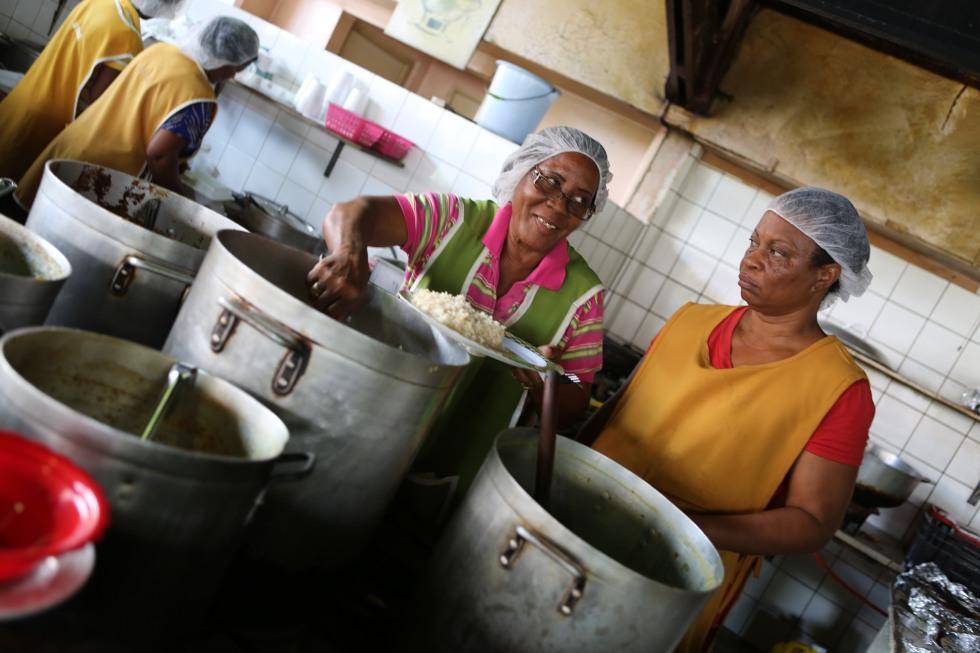Plasa-Bieu-food-court-curacao