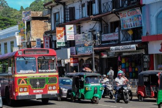 Kandy-traffic-red-bus