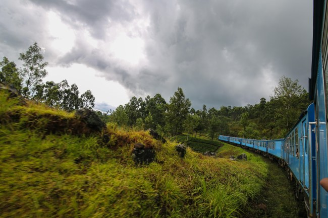 Nuwara Eliya-Kandy-train-ride