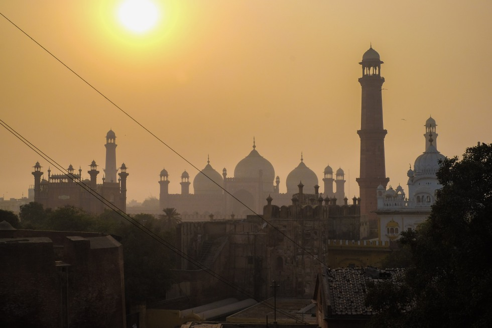 Afternoon view of the Badshahi Mosque, seen from Lahore Fort