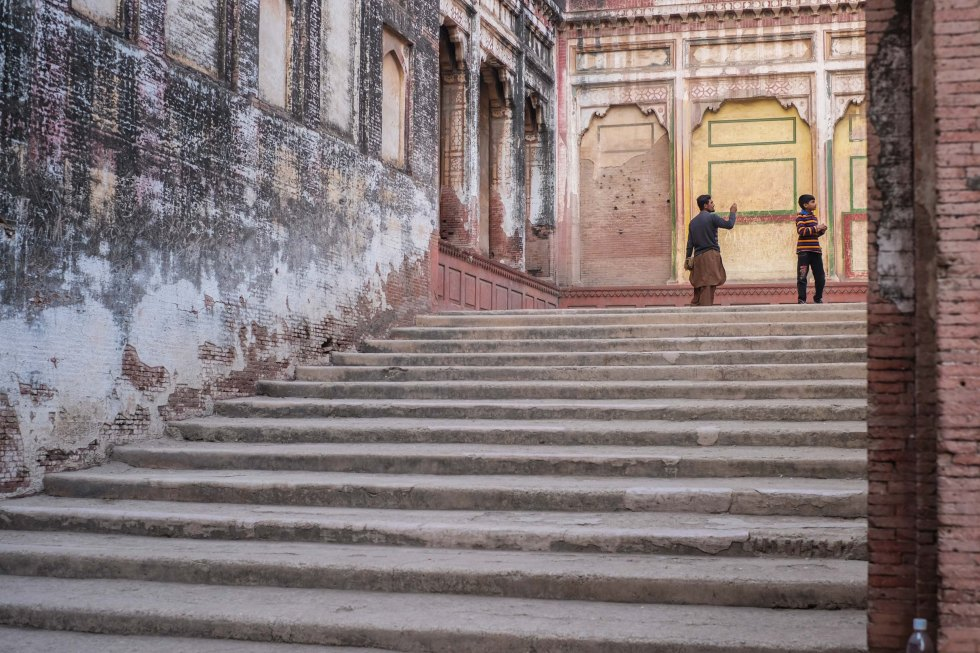 elephant-stairs-lahore-1