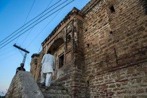 katasraj-katas-raj-temple-prison-1