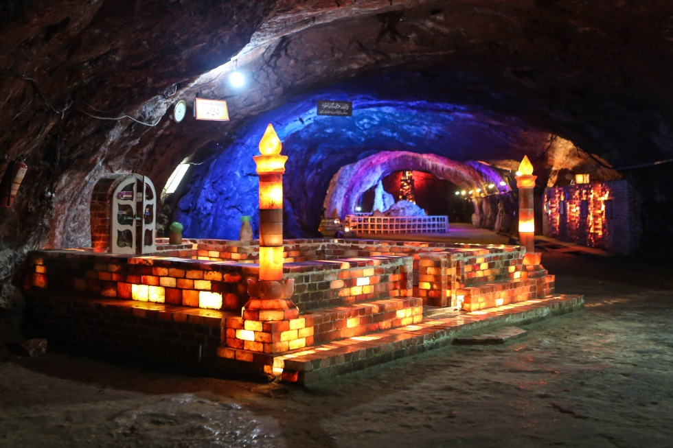 khewra-salt-mine-pakistan-mosque-1
