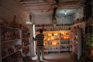 Souvenir shop in Khewra, selling lamps of salt