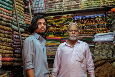 shopping-shawls-pakistan-lahore-1