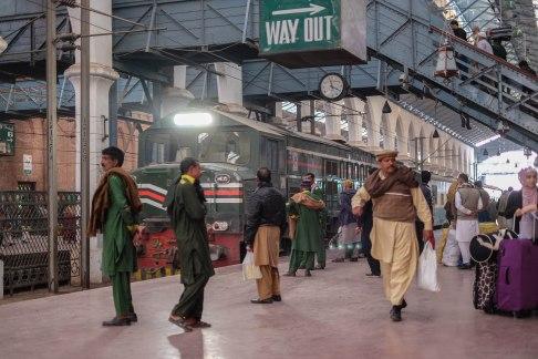 train-station-lahore