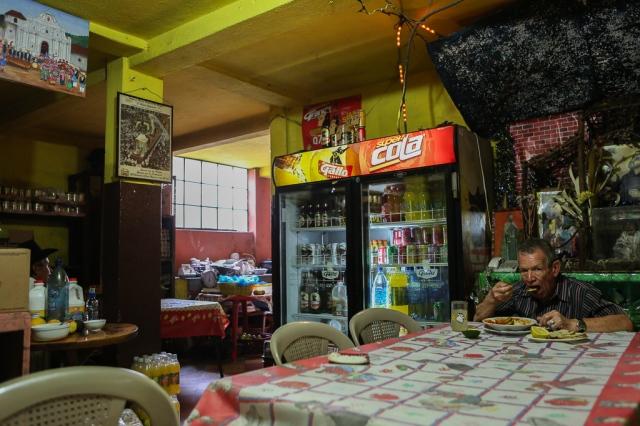 guatemala-antigua-restaurant-1