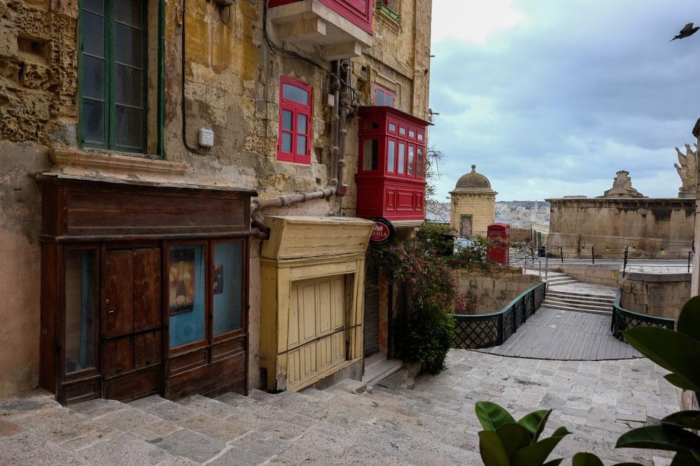 malta-valletta-ba%cc%88sta-bild-3