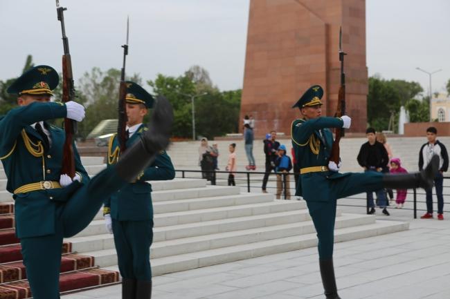 Kyrgyz soldiers Bishkek-6186