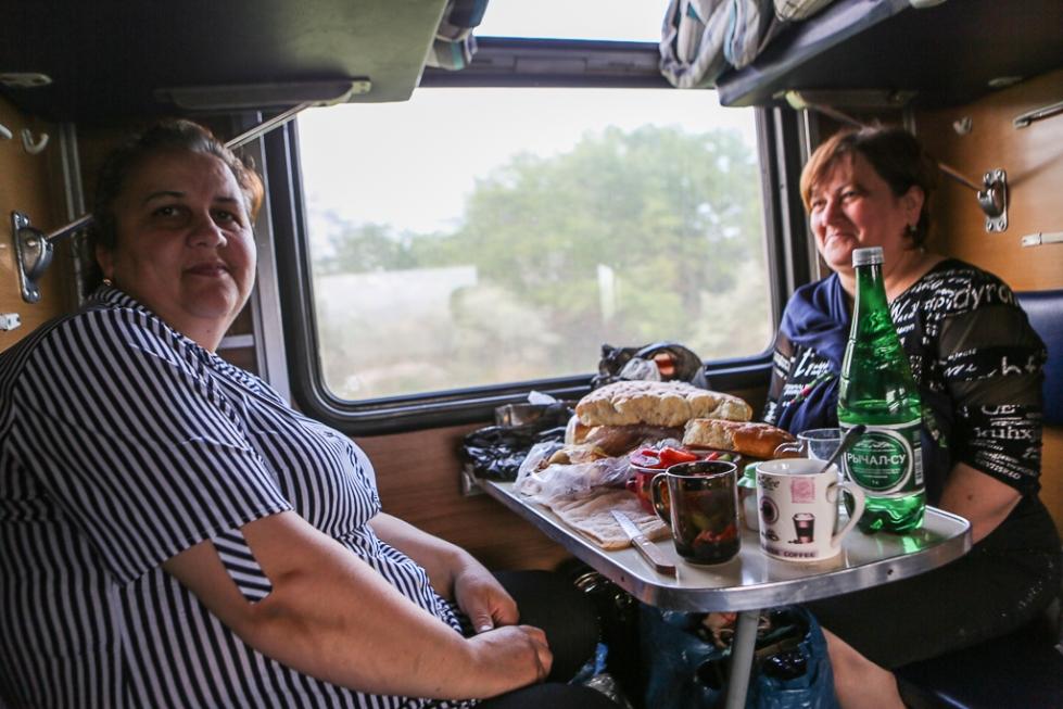 Train Makhachkala Saratov-8472