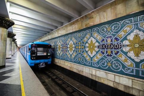 Tashkent-Metro-Underground-Pakhtakor-0120
