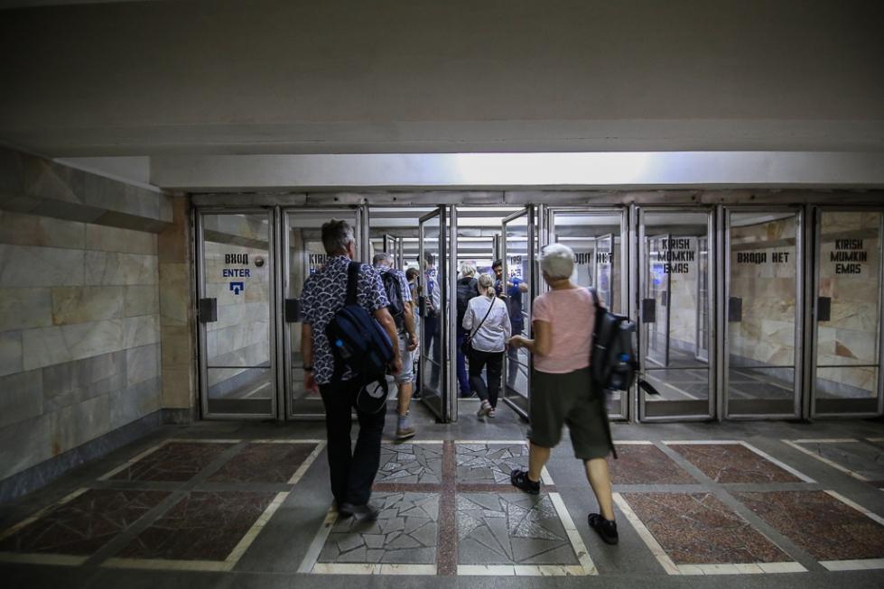 Tashkent-Metro-Underground-Uzbekistan-0111