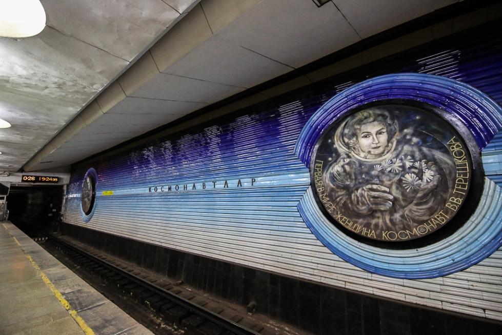 Tashkent-underground-kosmonavtlar-0201