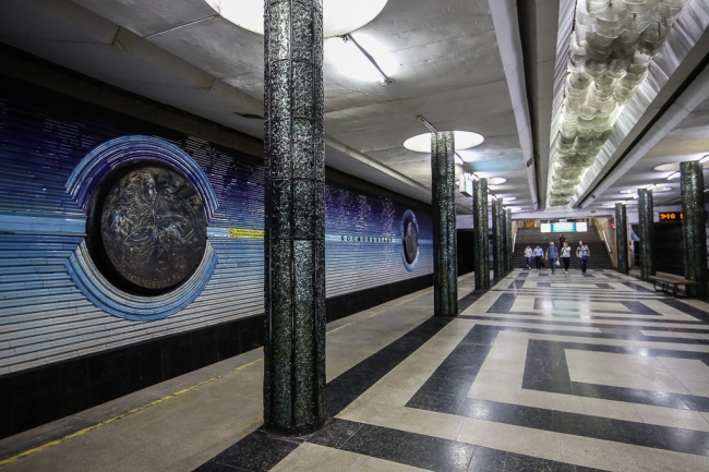 Tashkent-underground-kosmonavtlar-0214
