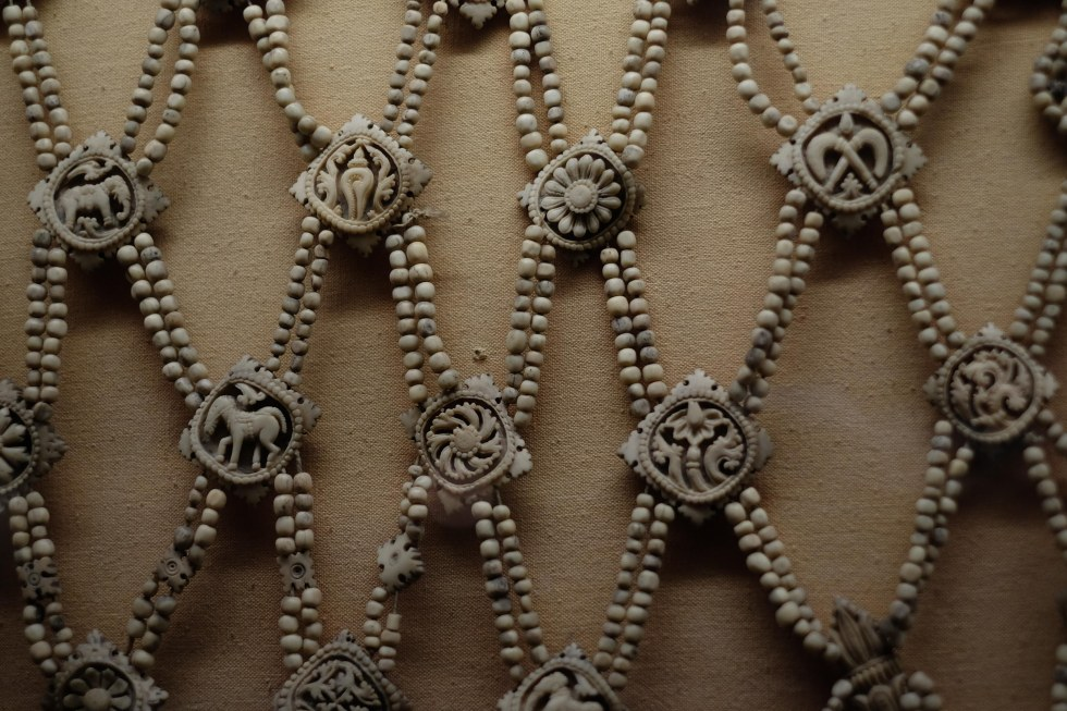Lahore_Museum_Jewlery_Human_Bone-2423