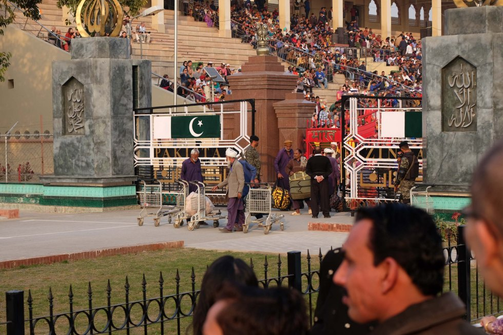 Wagah_Border_Pakistan-1984
